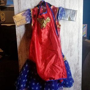 Costumes - Wonder Woman Girls 6 Pc. Costume Tutu Dress Cape